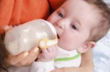 宝宝奶粉喂养 这些基本常识你们要懂