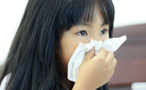 如何预防气管异物 女童体内传吹哨声音 吞了笔盖进肚子里