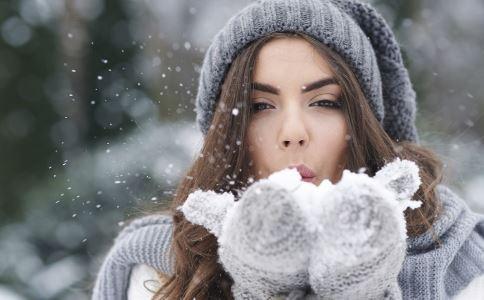 为何女人易痛经 受凉会引发痛经吗 受凉的危害有哪些