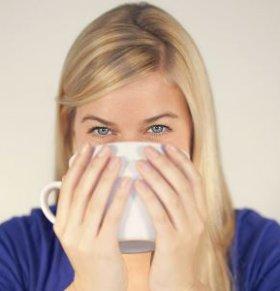 痛经怎么办 月经痛经怎么缓解 喝红糖水缓解痛经
