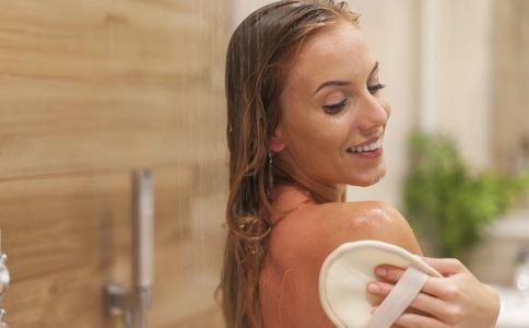 预防尿道炎大量喝水好吗 女性怎么预防尿道炎 女性如何防止尿道炎