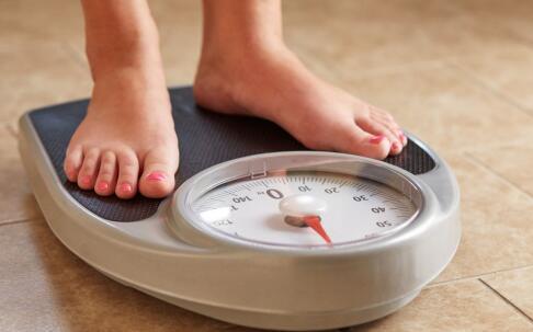 过年怎么吃才不会胖 春节吃哪些水果不会发胖 春节要如何控制体重