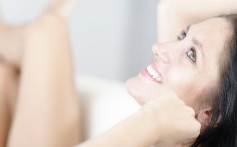 皮肤干燥脱皮怎么办 皮肤干燥脱皮如何护理 皮肤干燥脱皮吃什么