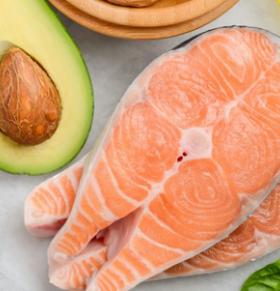 吃三文鱼能缩小乳癌细胞 三文鱼的营养价值与功效 三文鱼能抗癌吗