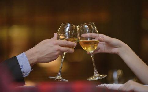 喝酒要注意什么 春节喝酒注意事项 快速解酒方法
