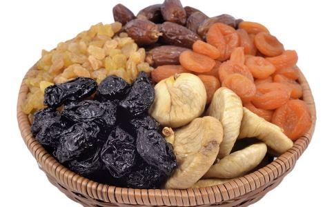 春节吃零食要注意什么 吃零食有哪些禁忌 春节吃瓜子要注意什么