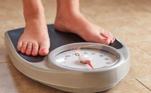 孕期肥胖有哪些危害 孕妇肥胖有什么风险 孕期肥胖怎么办