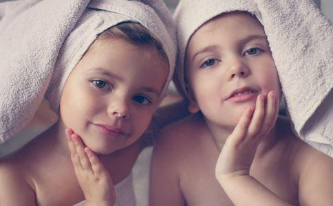 22对双胞胎小巷 双胞胎究竟是怎么形成的 怎样才能怀上双胞胎