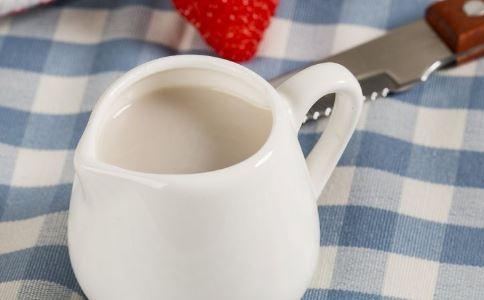 喝豆浆有什么好处 喝豆浆的好处有哪些 喝豆浆要注意什么