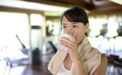 常喝水对人体有哪些好处 喝水有哪些好处 早晨喝水有哪些好处
