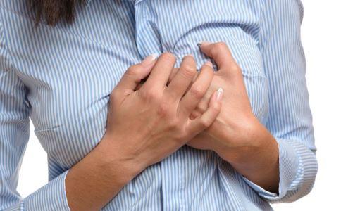 乳房里长了纤维瘤严重吗 乳腺纤维瘤有哪些危害 乳腺纤维瘤怎么办好