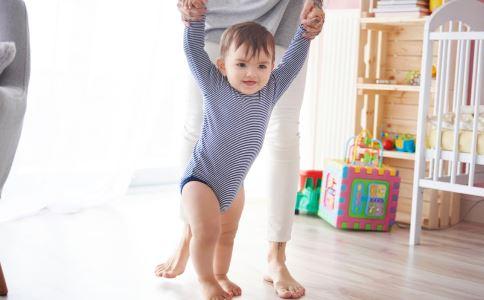 什么原因造成的罗圈腿 如何预防孩子罗圈腿 宝宝罗圈腿怎么回事