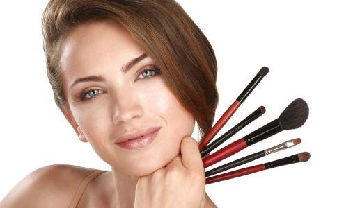 韩国男性化妆成日常 化妆的危害 化妆有哪些副作用