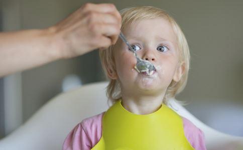 宝宝不爱吃饭是什么原因 宝宝不爱吃饭的原因有哪些 为什么宝宝不爱吃饭