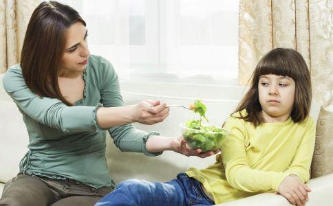 想要发育得好吃什么 哪些食谱促进女孩子发育 青春期女孩子饮食注意什么
