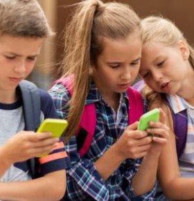 丁磊谈青少年沉迷手机 沉迷手机有哪些危害 长期玩手机有什么危害