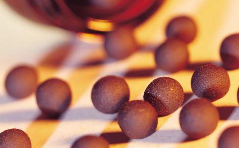 六味地黄丸的功效与作用 哪些人适合吃六味地黄丸 哪些人不宜吃六味地黄丸