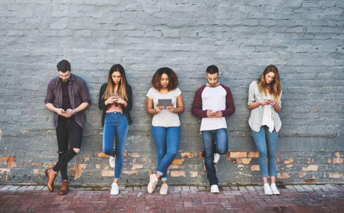 网络 青少年 哪些 危害 建议 未成年人 担任 禁止 直播 价值观