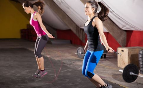 跳绳能减肥吗 什么运动才有助于减肥 跳绳多长时间才能减肥