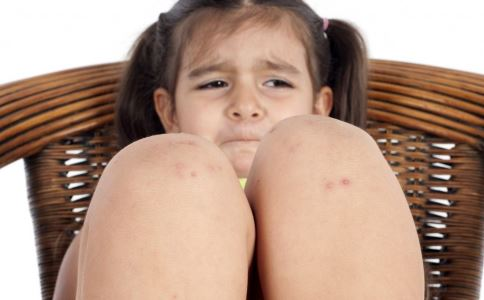 宝贝老是频繁长湿疹到底是何原因 宝贝老是频繁长湿疹要怎么办 宝宝频繁长湿疹的解决方法