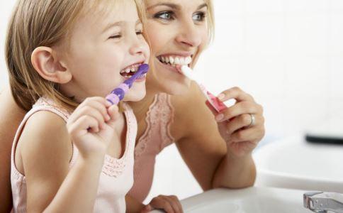 宝宝需要刷牙吗 宝宝什么时候开始刷牙好 如何清洁宝宝的牙龈