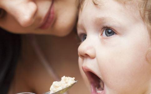 不爱吃辅食怎么办 不爱吃辅食如何调理 不爱吃辅食怎么应对