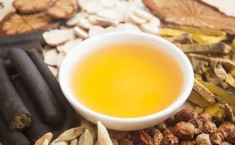服用补药时,最好不要喝茶生火。