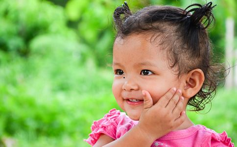 宝宝出汗多是什么原因 宝宝出汗多正常吗 宝宝出汗多是得了什么病吗