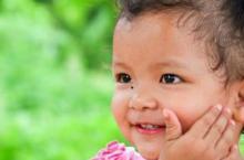 宝宝出汗多 3种情况正常3种情况异常
