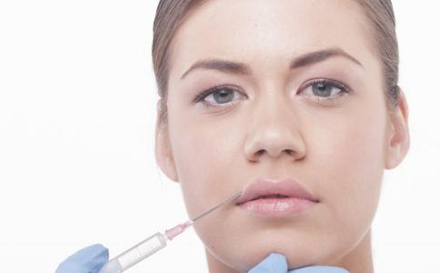 為什么會長唇部皰疹 唇部皰疹怎么治療 唇部皰疹是怎么回事