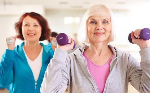 怎么控制更年期的潮热 女性更年期潮热怎么办 更年期女人如何自我调节