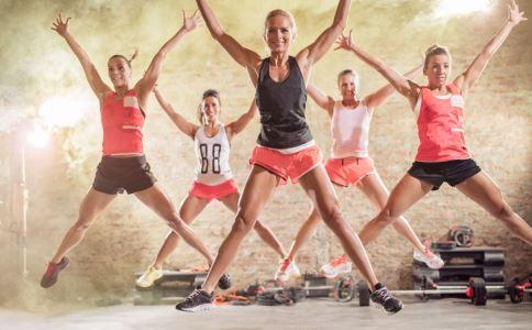 硬汉减肥法 7分钟运动减肥法 7分钟运动减肥法怎么做