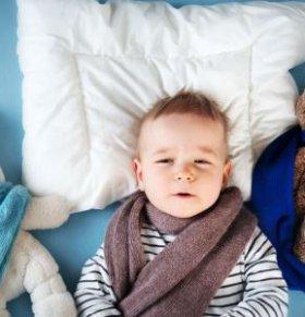 宝宝摸私处宝妈该如何应对 宝宝摸私处宝妈该怎么办 宝宝摸私处宝妈要注意什么