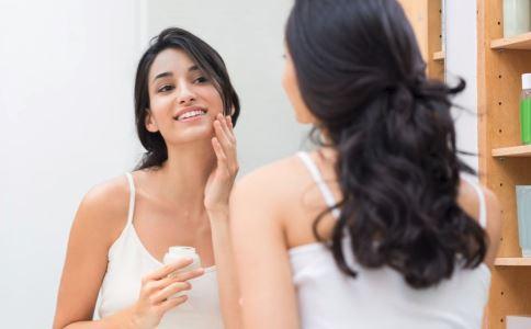 皮肤黄是什么原因 女性如何改善黄皮肤 改善黄皮肤有哪些方法