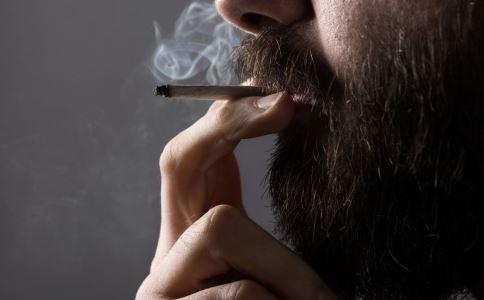 男人吸烟会有哪些危害 如何戒烟 男人长期吸烟的危害