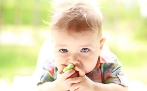 宝宝抓周该准备哪些东西 宝宝抓周有何寓意 宝宝周岁需要准备什么