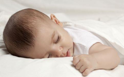 为什么要讲睡前故事 讲睡前故事要注意什么 睡前故事讲什么好