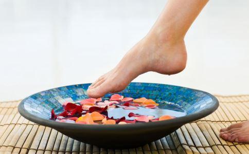 如何泡脚减肥 怎么减肥好 减肥吃什么