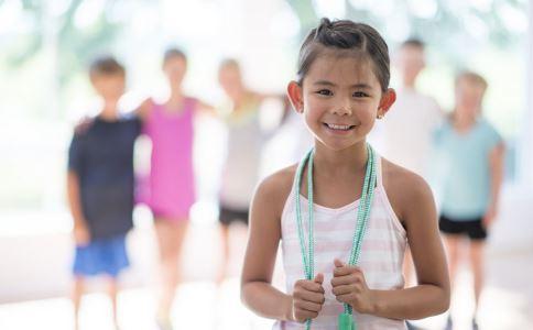 孩子怎么才能长高_春季多做这项运动 孩子容易长得高_生长发育_育儿_99健康网