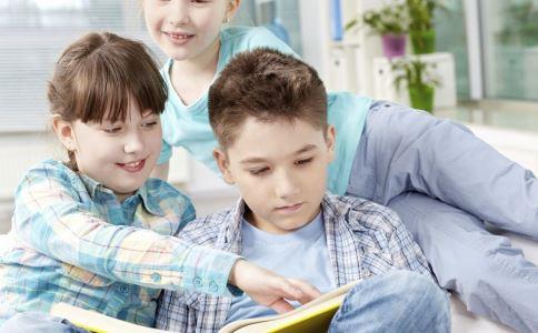 多大的宝宝能看图书 宝宝图书能开发智力吗 不同年龄段的宝宝看什么样的图书比较好