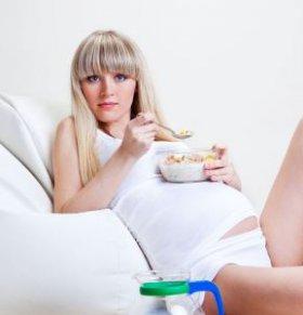 怀孕的征兆有哪些 哪些表现说明怀上了 女性有哪些症状是怀孕了