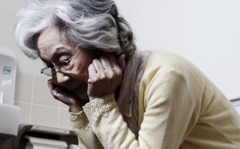 世界帕金森病日 如何预防帕金森病 帕金森病有哪些症状