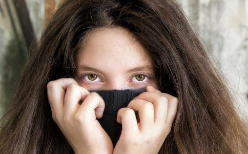 如何除眼袋 除眼袋有什么方法 除眼袋吃什么