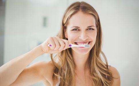 产妇坐月子需要刷牙吗 女性产后有哪些注意事项 女人产后如何保养身体