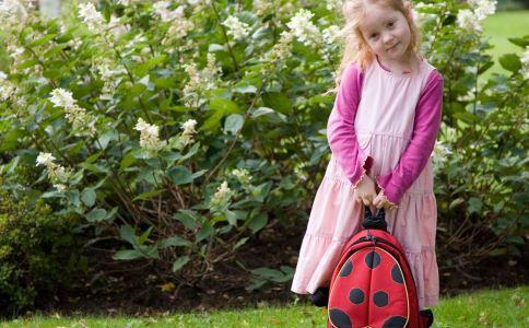如何选购儿童书包 购买儿童书包要注意什么 购买儿童书包的注意事项