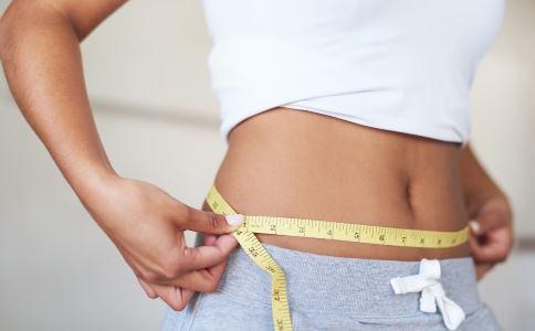 顺时针揉肚子减肥法 顺时针揉肚子能减肥吗 顺时针揉肚子减肥有用吗