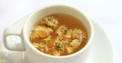 喝菊花茶好吗 喝菊花茶会腹泻吗 怎么喝菊花茶好