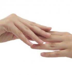 手指盖凹凸不平 指甲凹凸不平 指甲盖凹凸不平