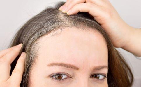 白发变多了怎么办 白发出现的原因 为什么会有白发