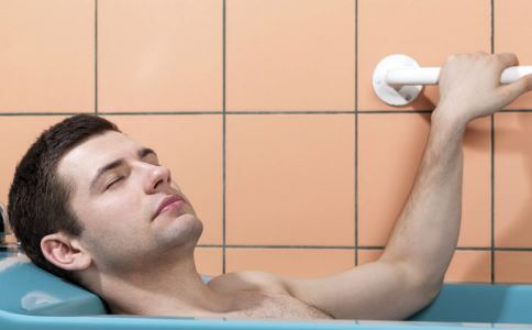 皮肤干燥怎么办 皮肤干燥的解决方法 皮肤干燥如何补水